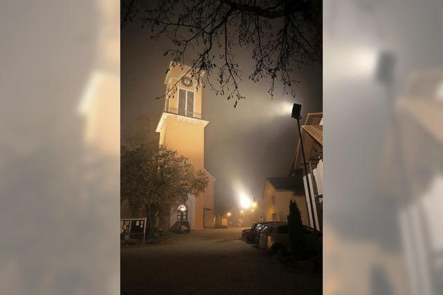 Jetzt leuchtet der Kirchturm doch