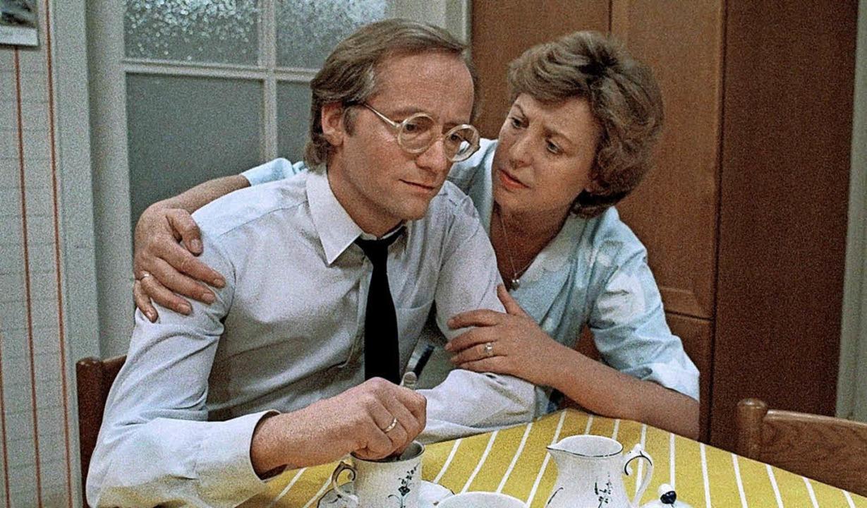 Wie alles begann: Mutter Beimer mit ihrem ersten Mann Hans, anno 1985  | Foto: dpa
