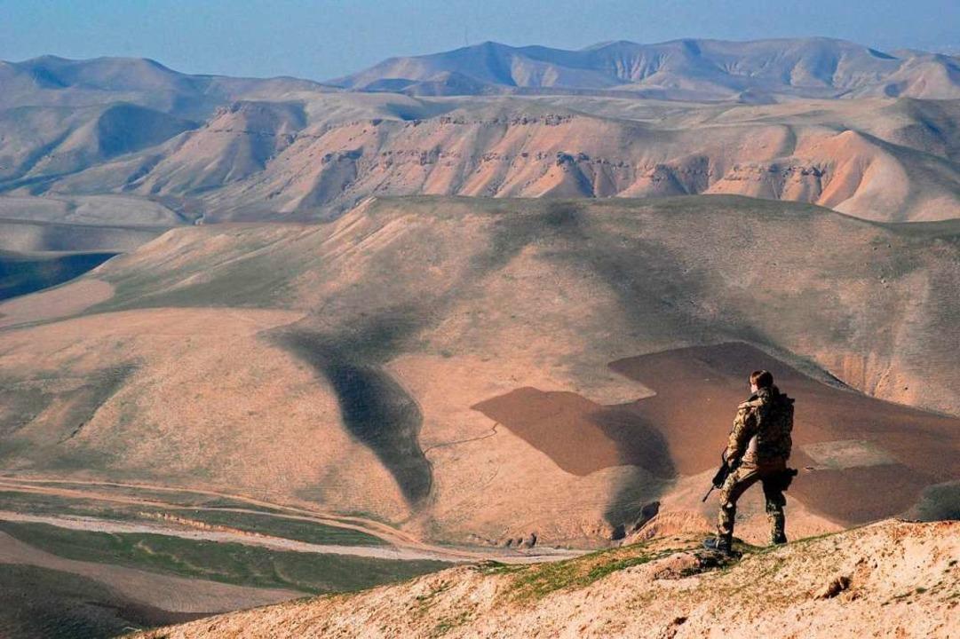 Ein Bundeswehrsoldat im Norden Afghanistans (Archivfoto)  | Foto: dpa