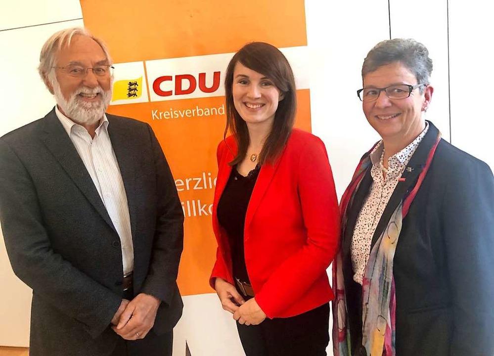 Die Top Drei der CDU für die Kommunalw...), Peter Kleefass und Irmgard Waldner.  | Foto: Joachim Röderer