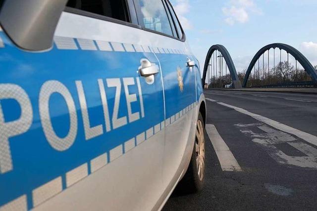 Unfallgeschädigter auf der B34 bei Rheinfelden fährt einfach weiter