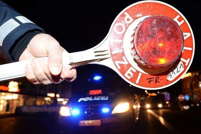Autofahrer mit 2 Promille wehrt sich gegen polizeiliche Maßnahmen