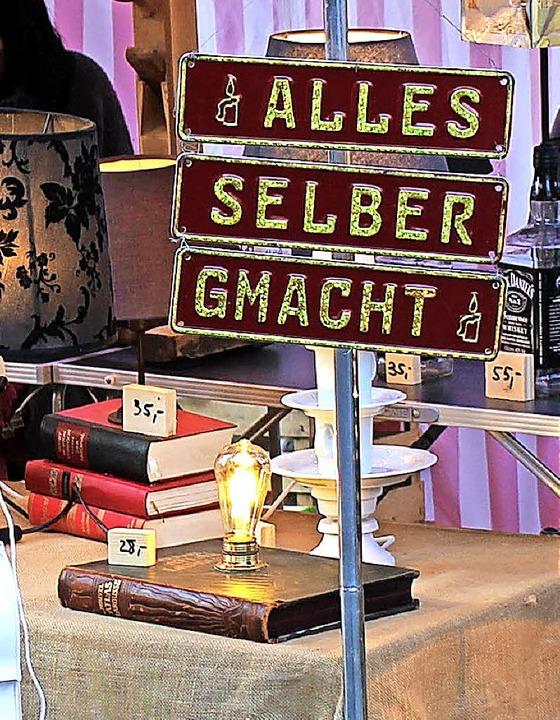 Kunsthandwerkliches, nicht nur für den... stieß auf das Interesse der Besucher.  | Foto: Fotos: Jana Fischer
