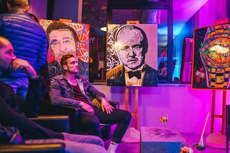 Die Werke des Künstlers Niklas Quade sind bunt und teils schrill. (Foto: Fabio Testa)