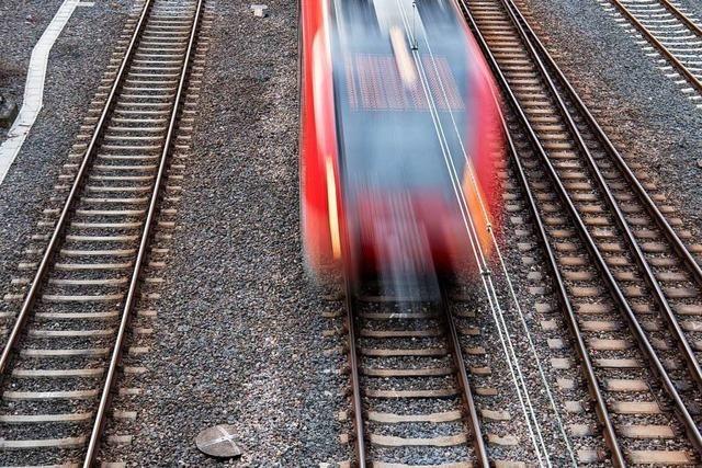 Bremse an Regionalzug heiß gelaufen
