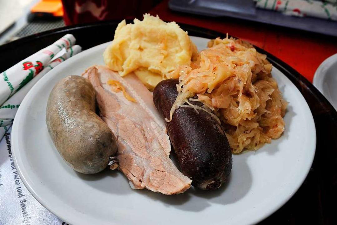 Schweinisches Dreierlei :  Leberwurst,...und Blutwurst (von links nach rechts).  | Foto: Thomas Kunz