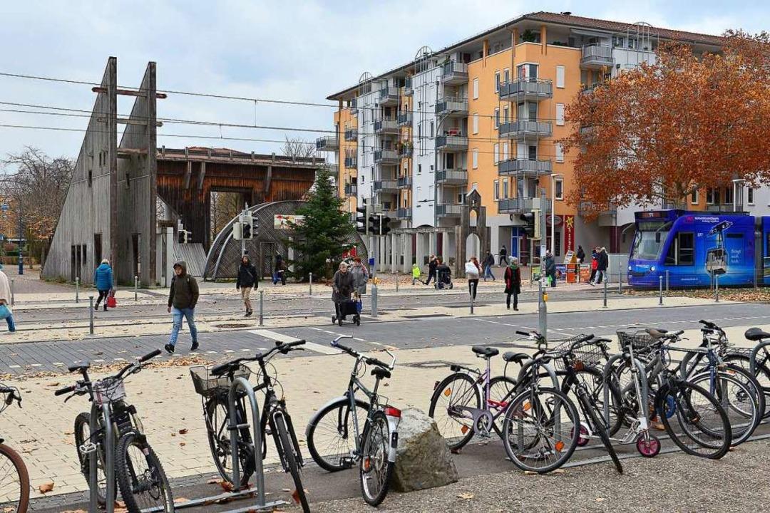 Eigentümer des Hauses am Torplatz sind gegen die geplante Umgestaltung.  | Foto: Ingo Schneider