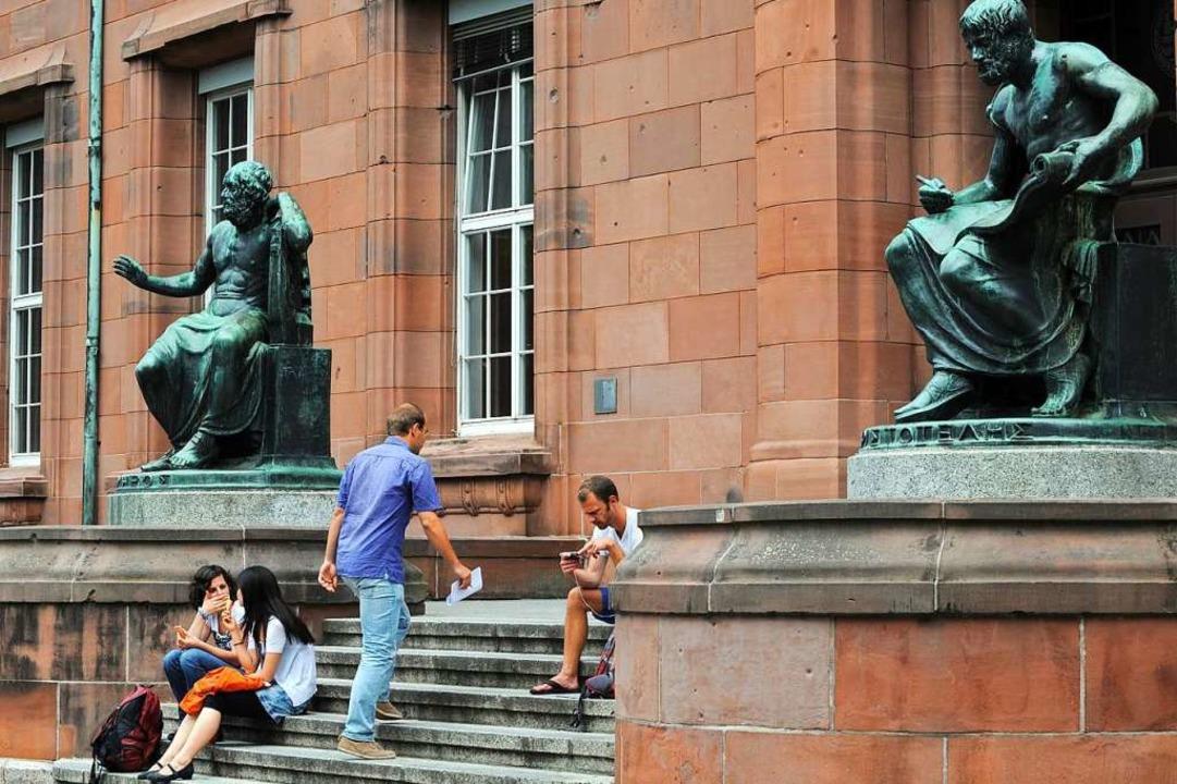 Etwas weniger Studierende als im Vorja...ester an der Uni Freiburg (Archivbild)  | Foto: dpa