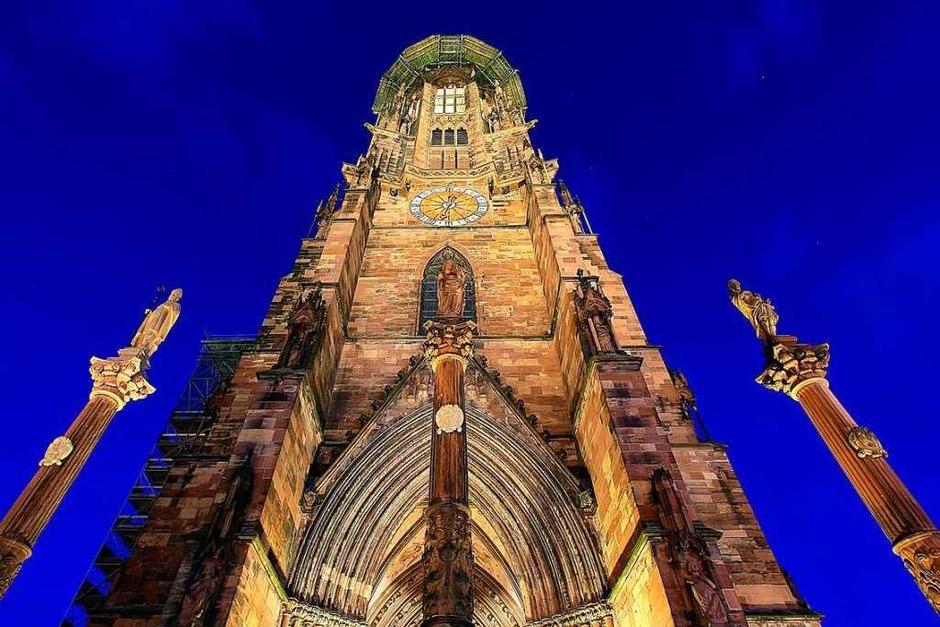 Das Freiburger Münster bei Nacht (Foto: Patrick Lohmüller)