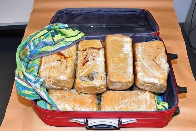 Schweizer Zoll findet 16 Kilogramm Marihuana
