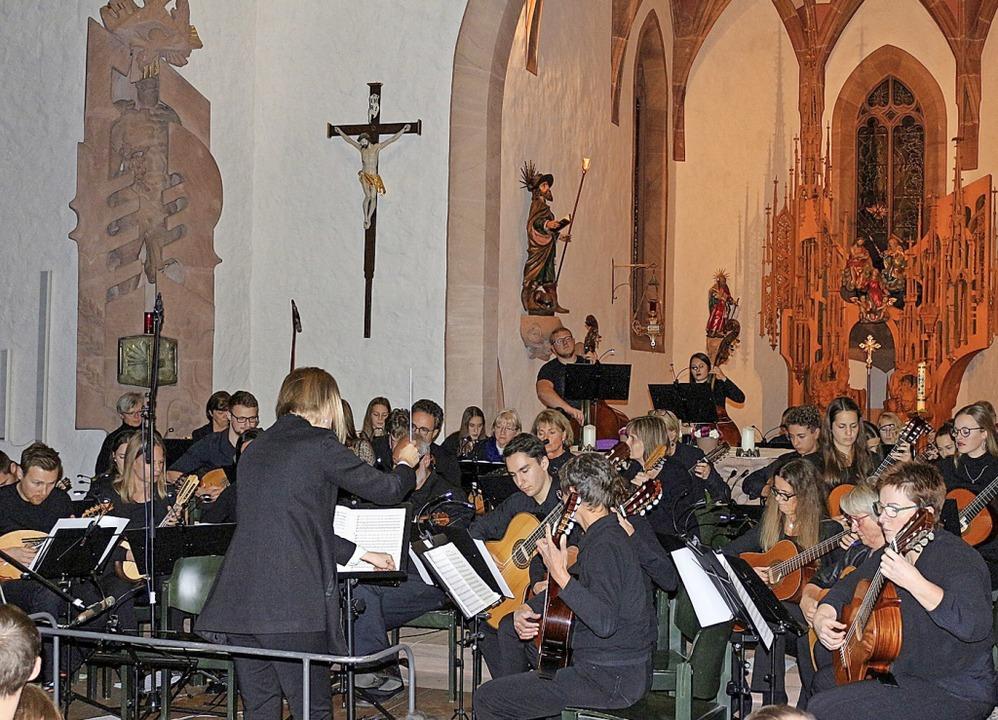 Das Mandolinenorchester Bern und das H...yk in der Bleibacher Kirche St. Georg.  | Foto: Karin Heiß