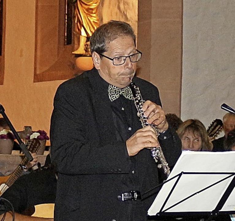 Solist im Konzert: Benedict Walter an der Oboe.   | Foto: Fotos: Karin Heiss