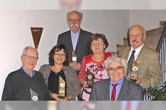 Verein ehrt Mitglied für 60 Jahre Treue