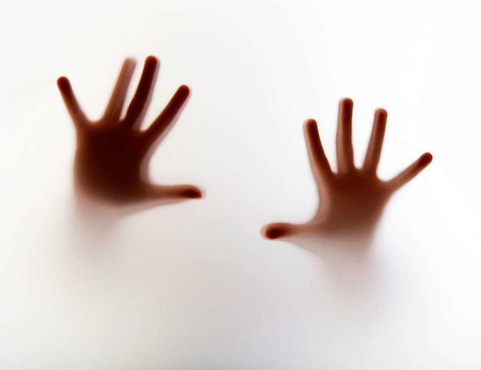 Der Fall hat ganz Frankreich entsetzt, vieles aber ist unklar.  | Foto: adobe.com