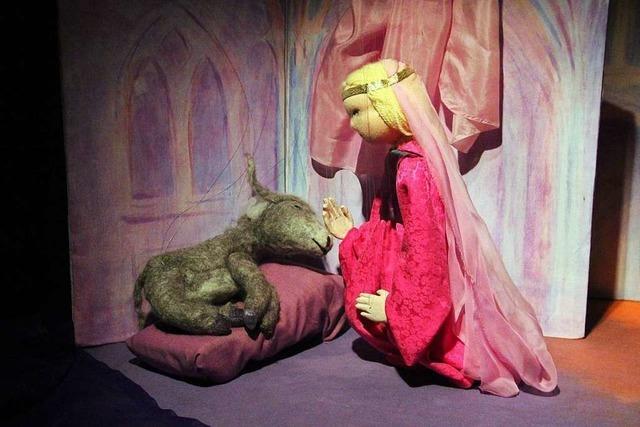Märchenhafte Momente mit der Marionettenbühne