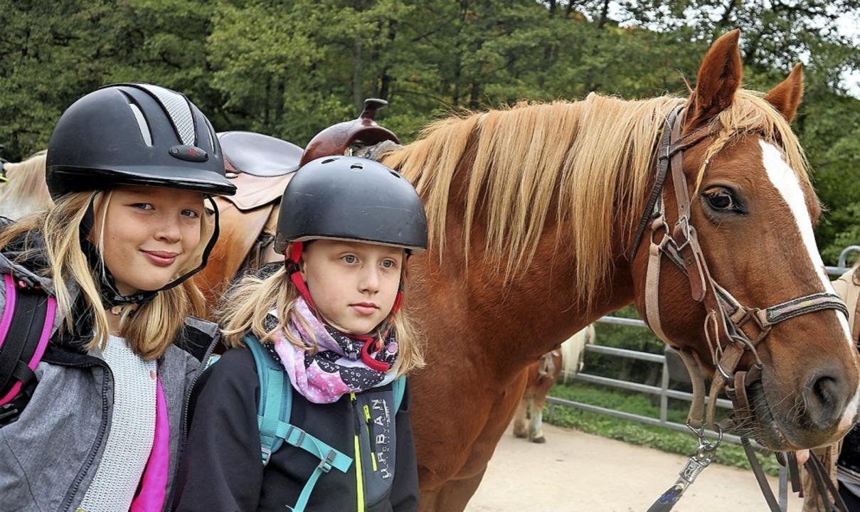 Die Kinder hatten Spaß beim Reiten. Au...tlowski und Chayenne Mannek zu sehen.   | Foto: Privat
