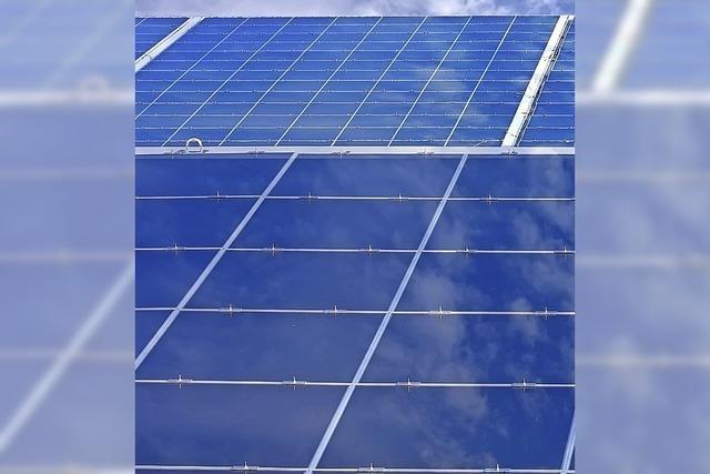 Sonne liefert Strom für den Wasserpark
