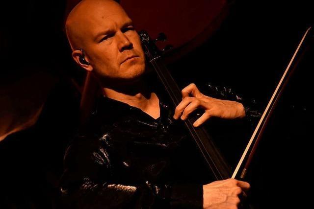 Die E-Cello Klangzauberer Max Lilja und Fried Dähn traten in Lörrach auf