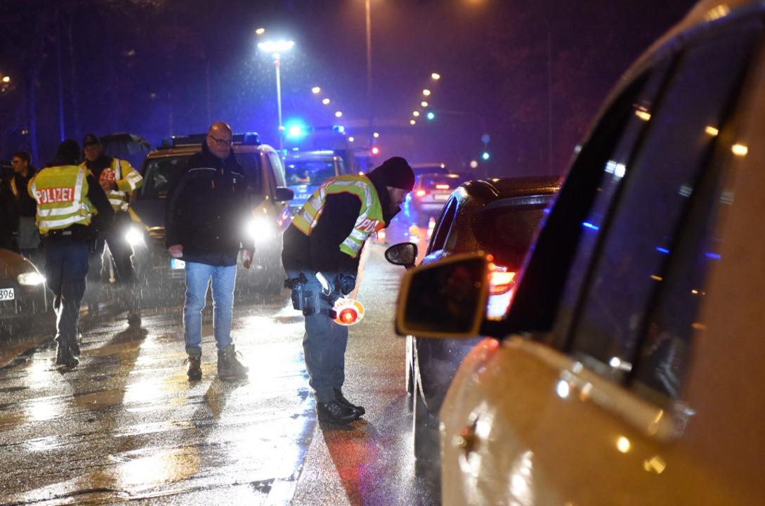 Mit großangelegten Razzien an Kriminal...gefühl in der Stadt verbessert werden.  | Foto: Rita Eggstein