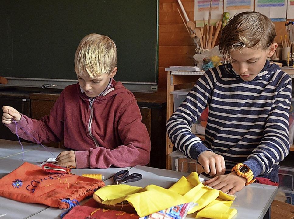 Zum vielseitigen Unterricht der Dachsb...em Schüler Geschick entwickeln können.  | Foto: Sarah Trinler