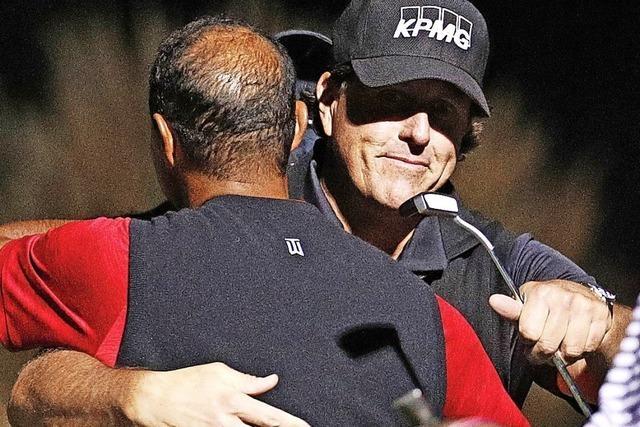 Bizarres Golf-Duell der Stars