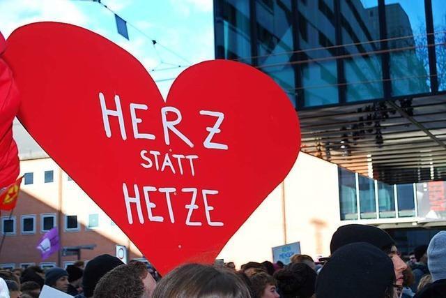 Rund 30 Mal so viele Gegendemonstranten wie Rechtsextreme in Basel