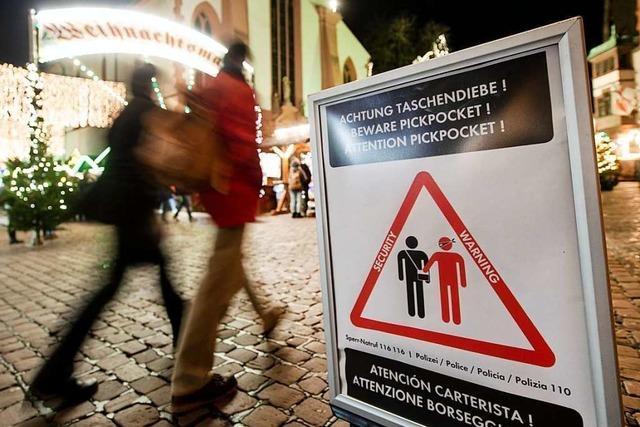 Polizei warnt vor Taschendieben auf Weihnachtsmärkten