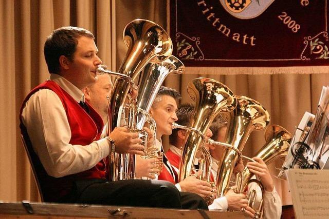Chor trifft auf Blasmusik der Trachtenkapelle Strittmatt