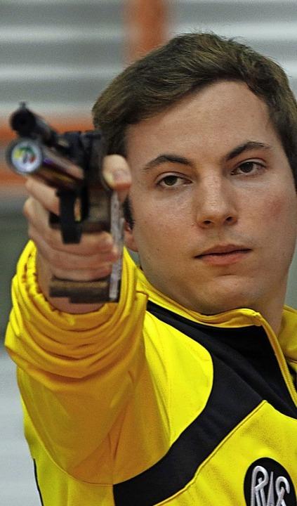 <BZ-FotoAnlauf>Sportschiessen:</BZ-Fot...lte seinen Saisonbestwert (386 Ringe).    Foto: zok