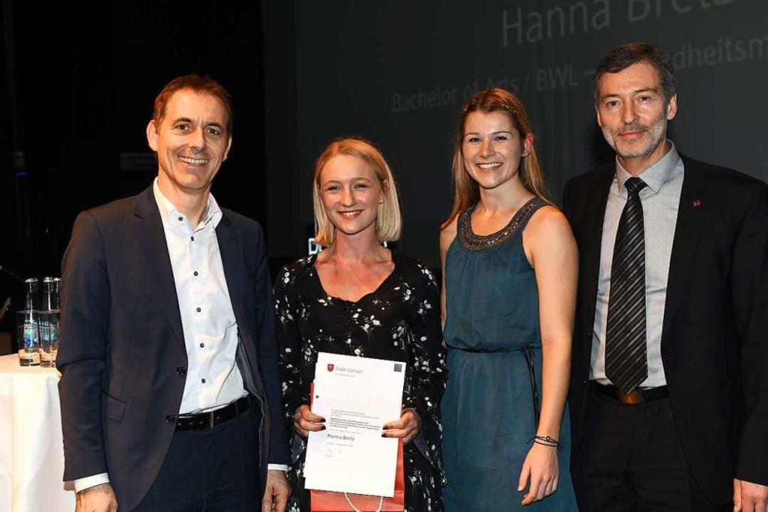 Preis der Stadt Lörrach für Hanna Bretz  | Foto: Juri Junkov