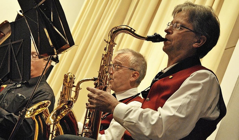 Von geheimnisvoll bis vertraut reichte...klangliche Spektrum des Musikvereins.   | Foto: Ralph Fautz