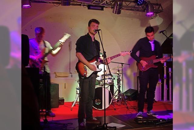 Junge Bands rocken im Schlosskeller
