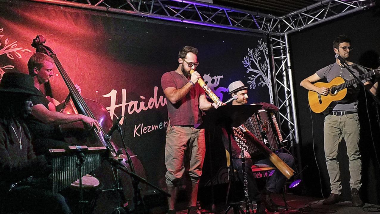 Klezmermusik, Percussion auf der Djemb...doch alles zu einem stimmigen Ganzen.   | Foto: Martina David-Wenk
