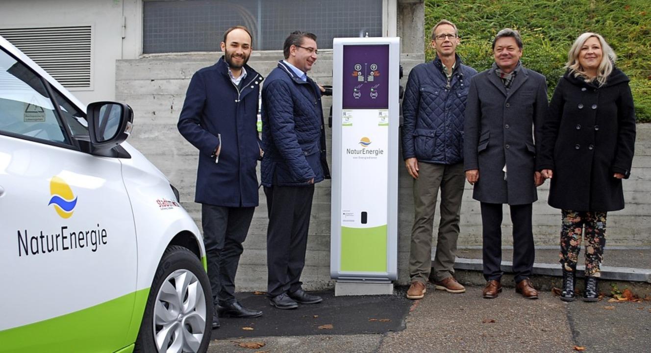 Nils Hoesch, Arnold Marx, Bodo Schütte...äule für Elektroautos an der DHBW ein.  | Foto: Thomas Loisl Mink