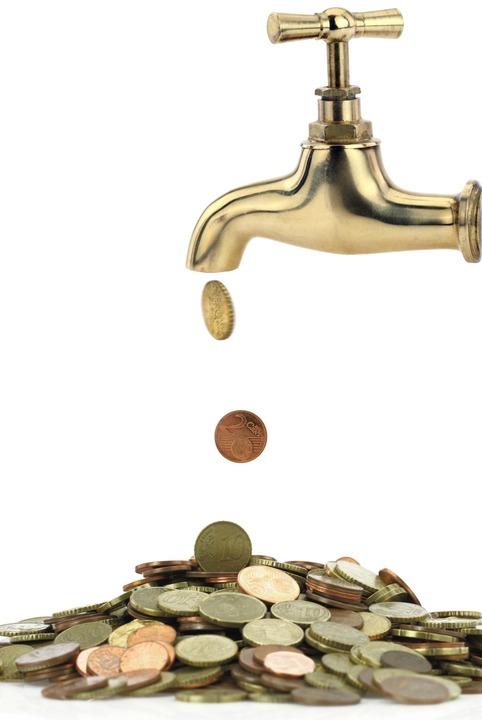 Die Gemeinde Gottenheim bittet zur Kas...hren für Wasser und Abwasser steigen.   | Foto: Viperagp(adobe.stock.com)