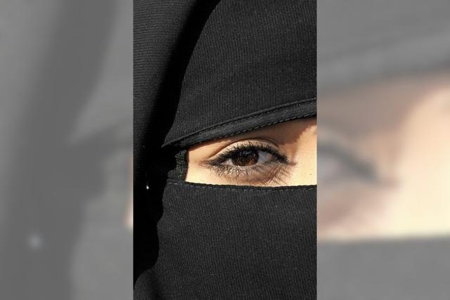 Fördert, schützt, bildet und klärt die muslimischen Frauen und ihre Kinder auf
