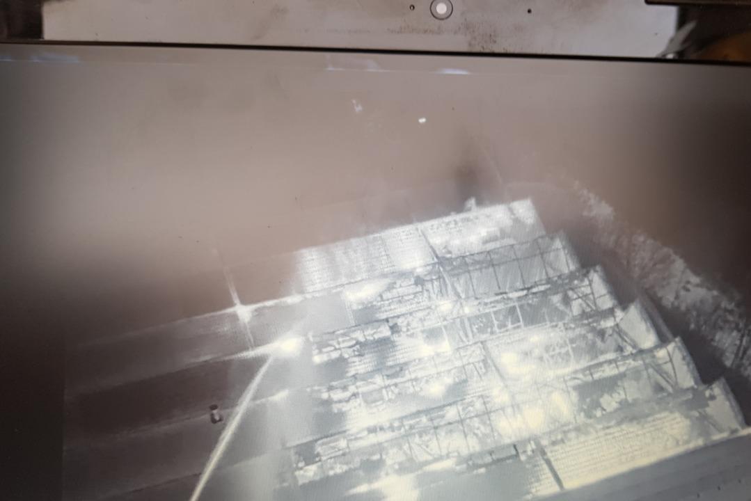 Eine Drohnenaufnahme zeigt das Ausmaß der Zerstörung von oben.  | Foto: Feuerwehr