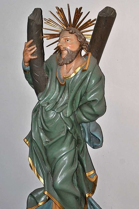 Der Apostel Andreas als Wandfigur mit ...n der  Gottenheimer St. Stephan-Kirche  | Foto: Manfred Frietsch