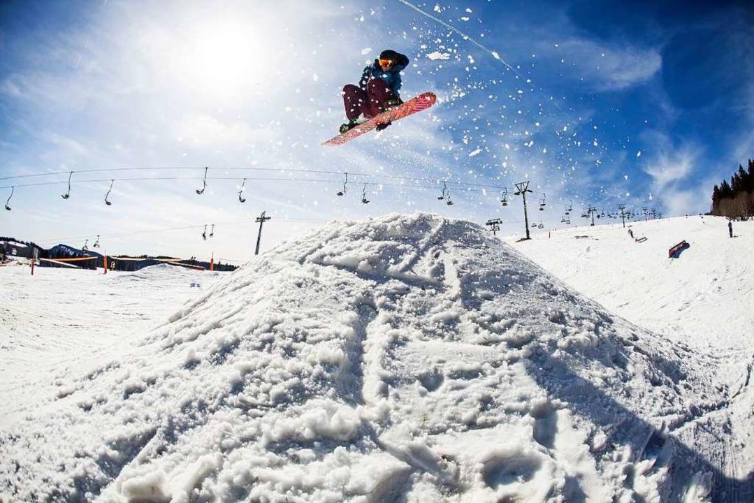 Gute Nachricht für die Freestyle-Szene... Snowpark am Feldberg bleibt erhalten.  | Foto: QParks