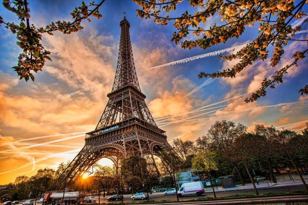 Wer um 9.35 in Paris sein will, muss um 6.37 Uhr in Freiburg in den Zug steigen.  | Foto: Samott (Adobe Stock)