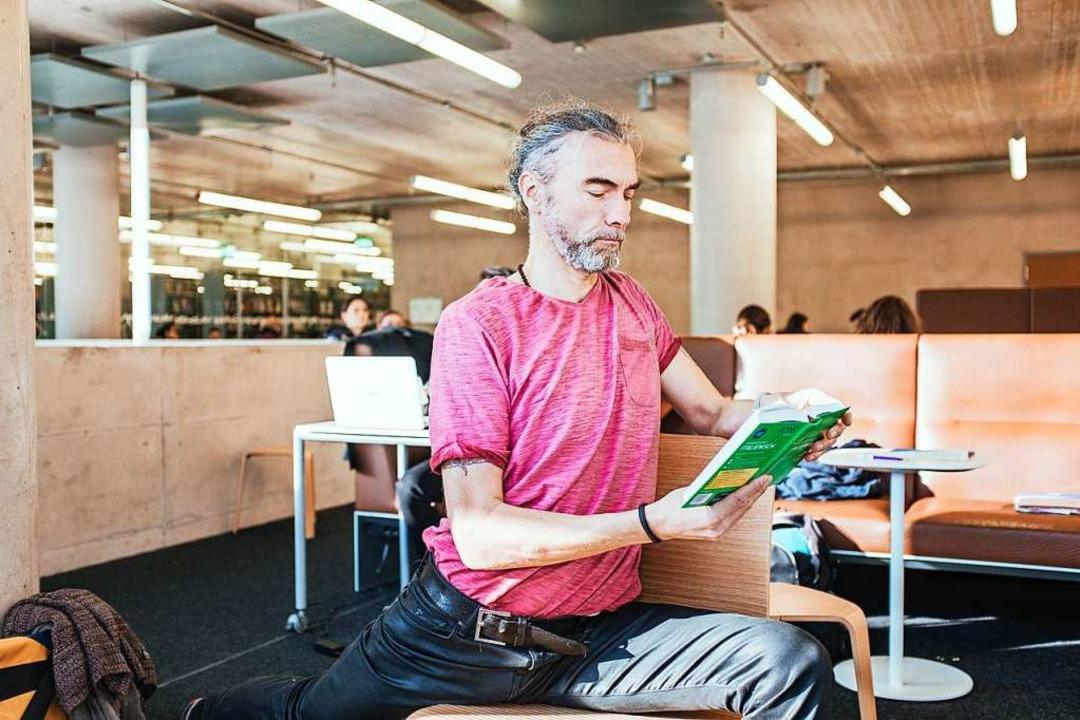 Virabhadrasana 1 im Stuhl ist was für Fortgeschrittene.  | Foto: Fabio Smitka