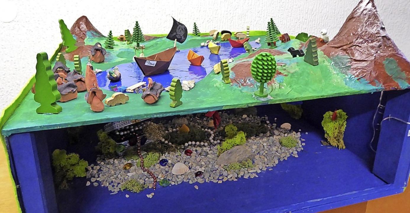 Der Titisee von oben  und mit seiner Unterwasserwelt  | Foto: Peter Stellmach