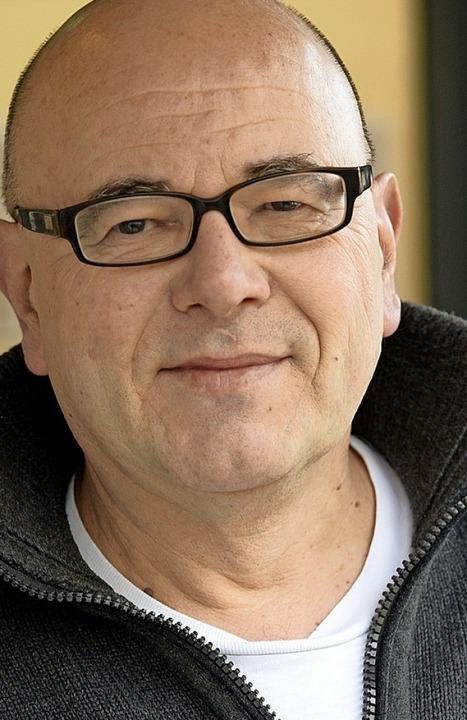 Auf der Suche nach deutschen Analogien: Übersetzer Ulrich Pröfrock  | Foto:  Ingo Schneider