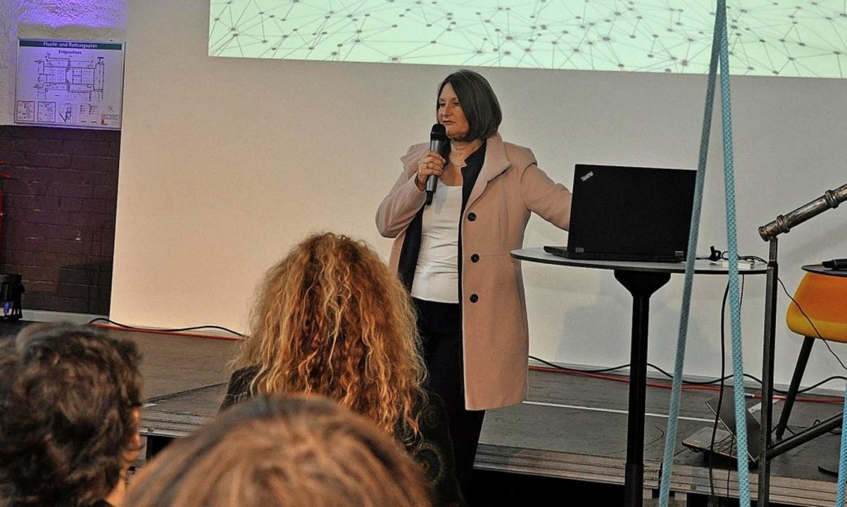 Regierungspräsidentin Bärbel Schäfer b...weihung des Digihubs in der Lokhalle.   | Foto:  Neufeld