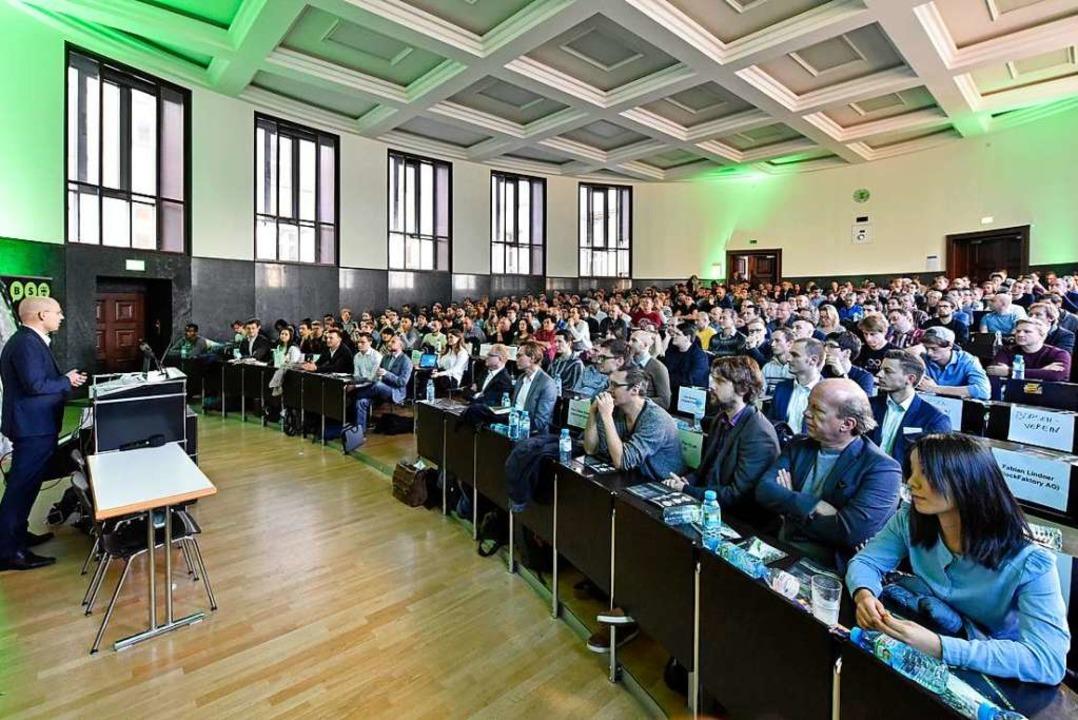 Etwa 400 Menschen nahmen am ersten Freiburger Blockchain-Symposium teil.  | Foto: Michael Bamberger