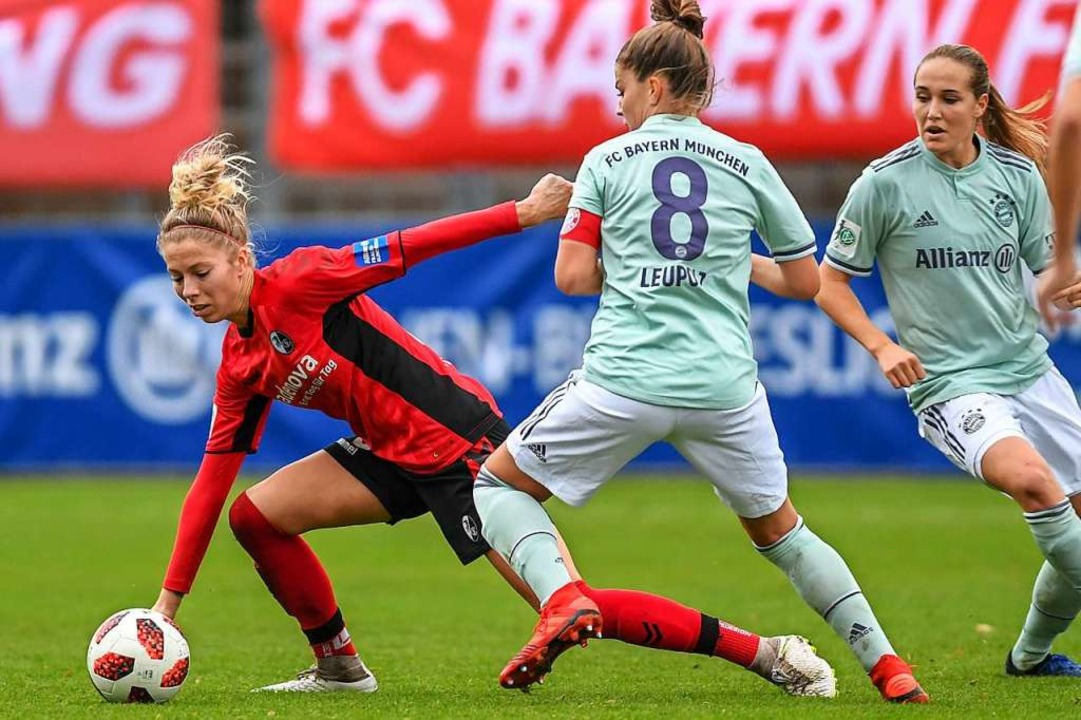 Sharon Beck (links) gegen die Münchnerin Melanie Leupolz  | Foto: Patrick Seeger