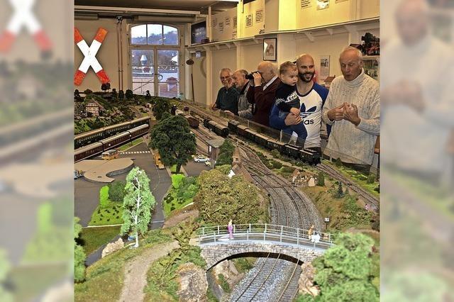 Miniaturwelt mit 20 Zügen