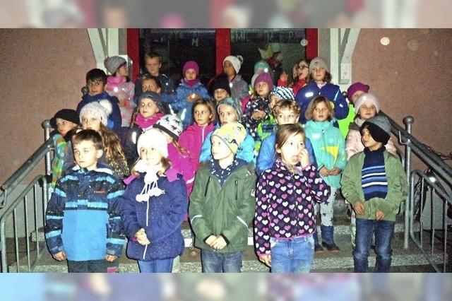 Schule gestaltet Adventsmarkt