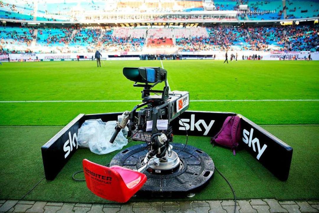 Wie viel Fußball soll denn noch übertragen werden?   | Foto: dpa