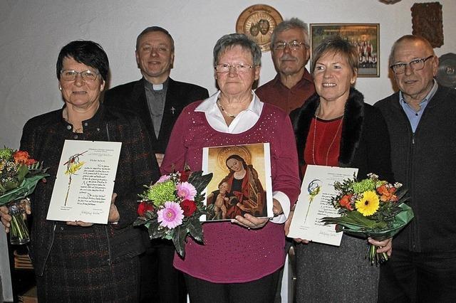 Sänger freuen sich über die neue Kirchenorgel